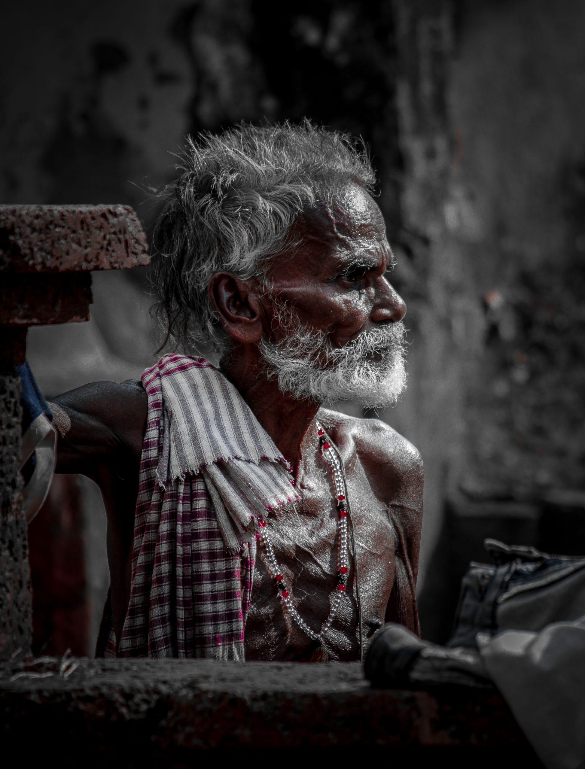 A poor oldman