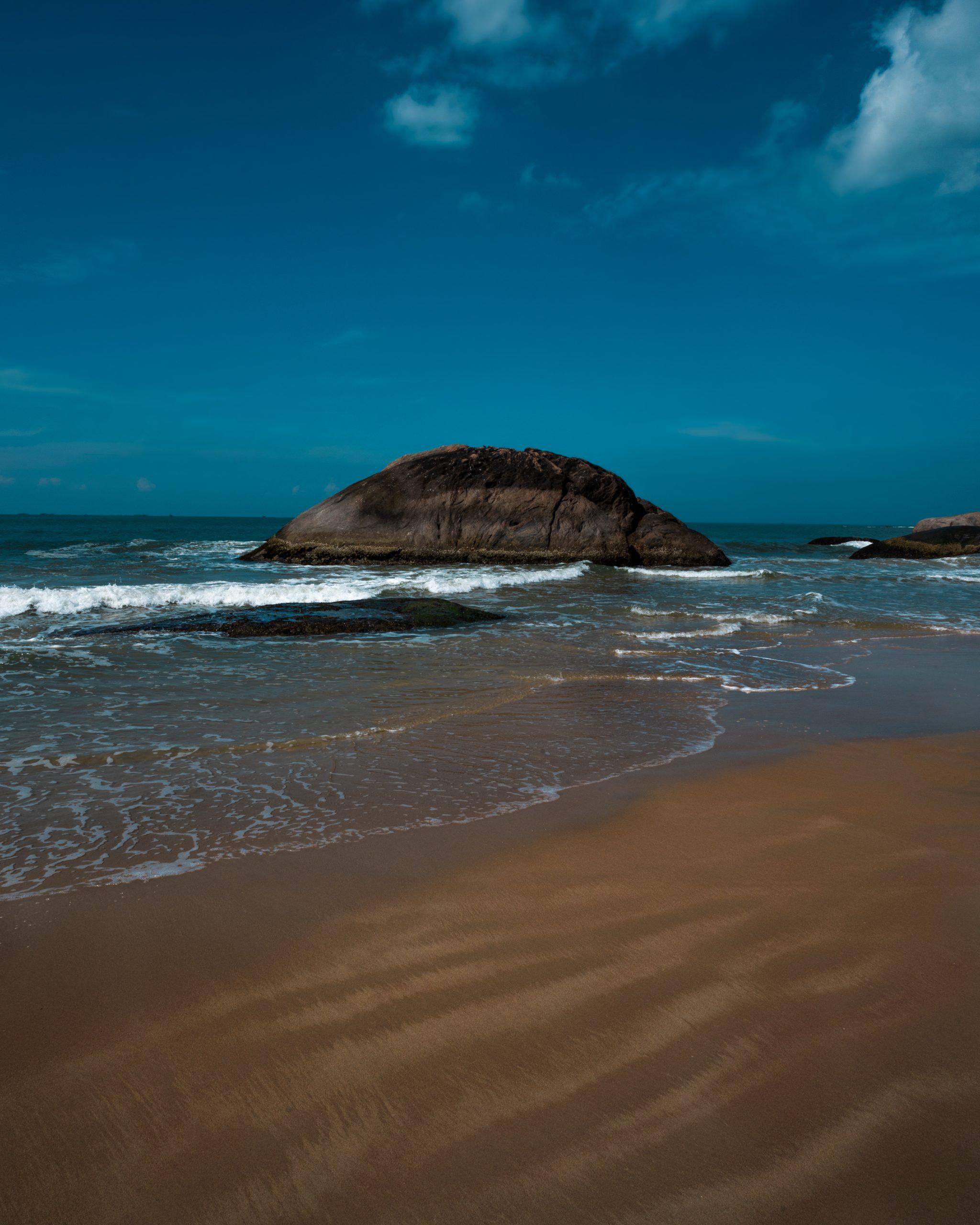 A sea waves reaching the shore