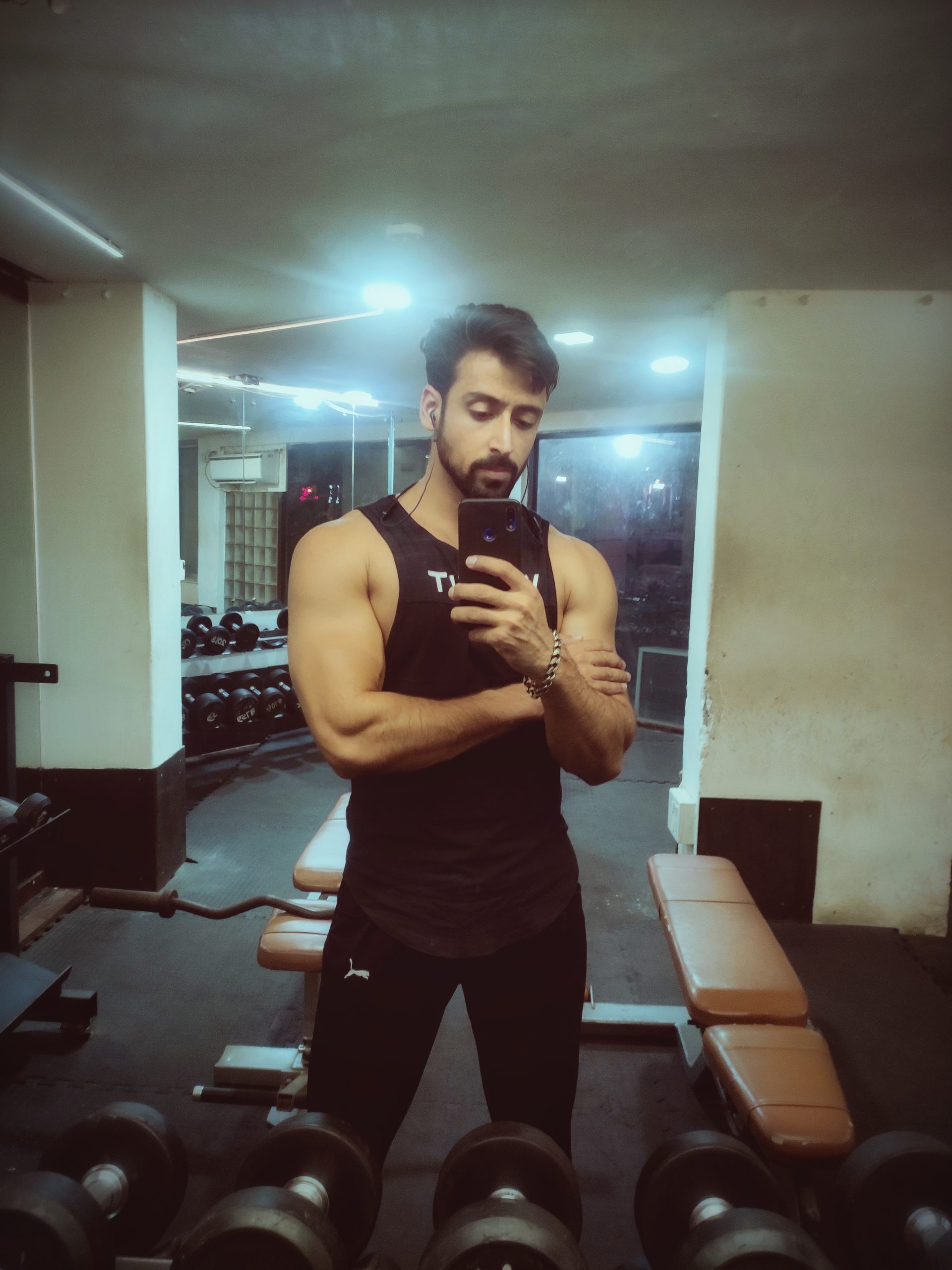 Boy clicking selfie in the Gym