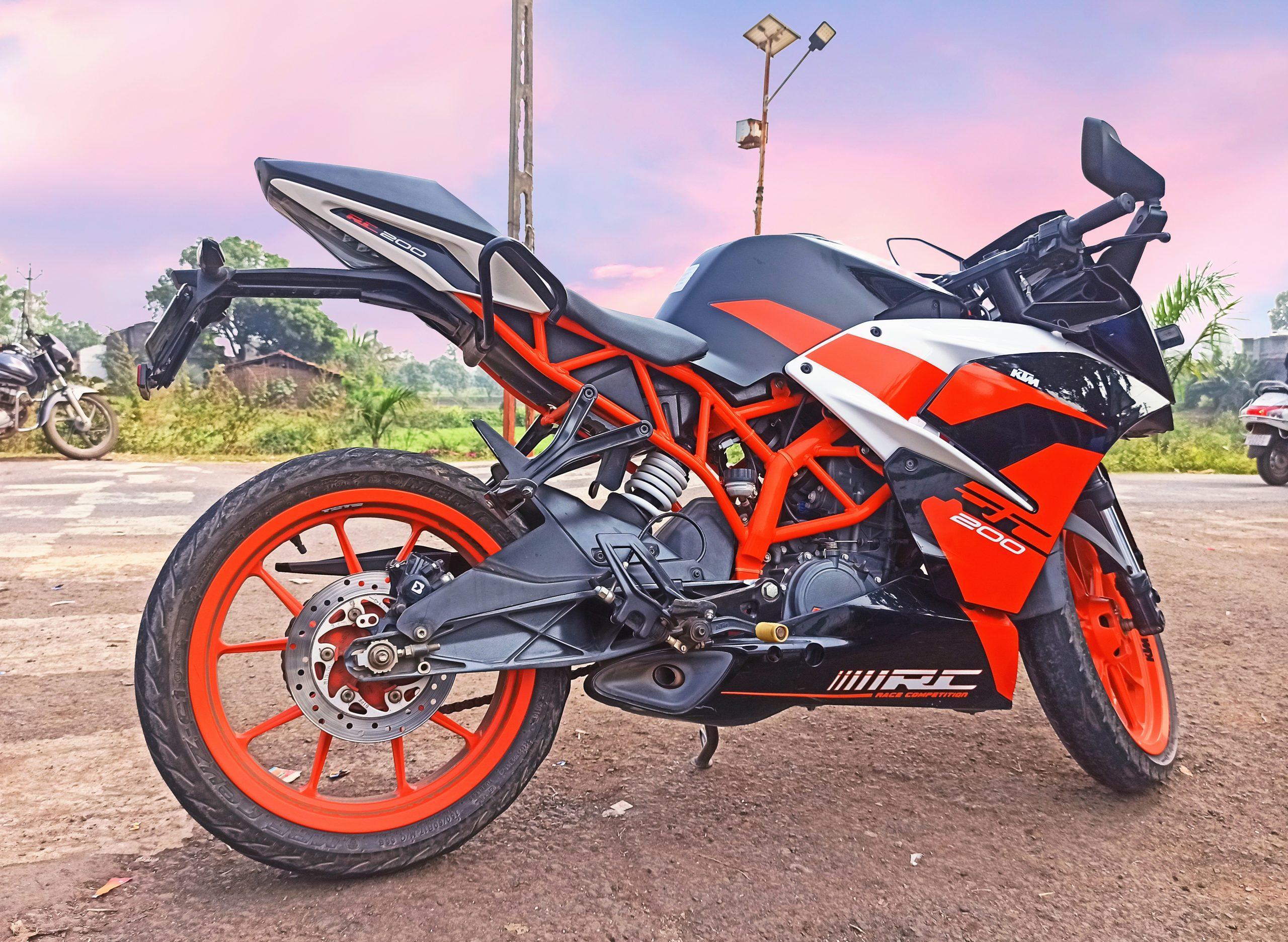 KTM Duke 200 bike