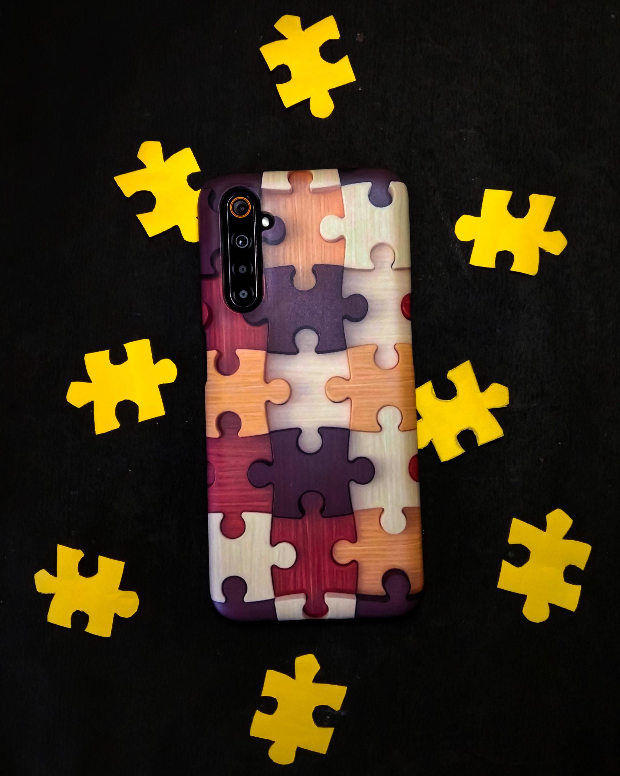 Puzzle mobile case