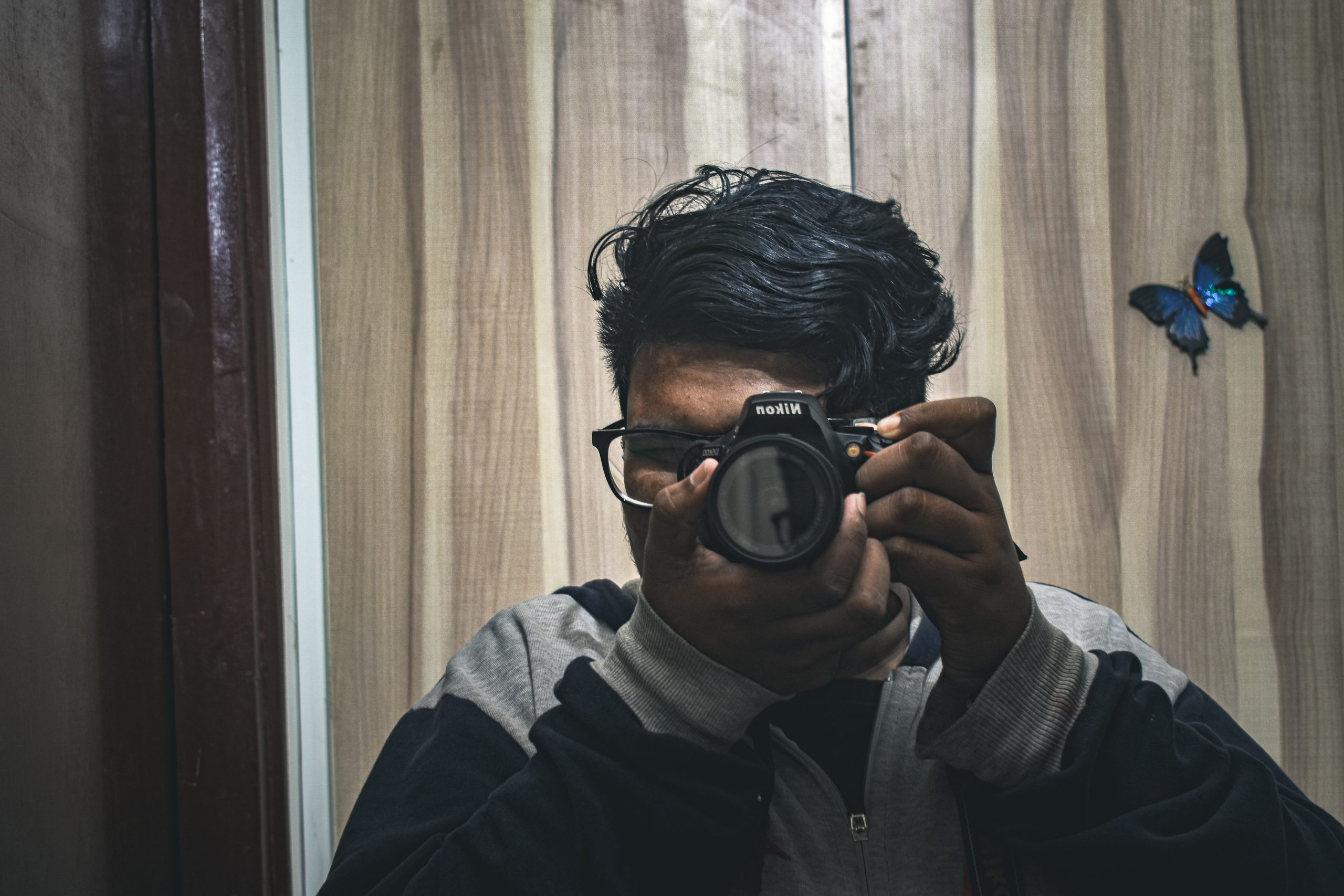 Capturing an image with DSLR Camera