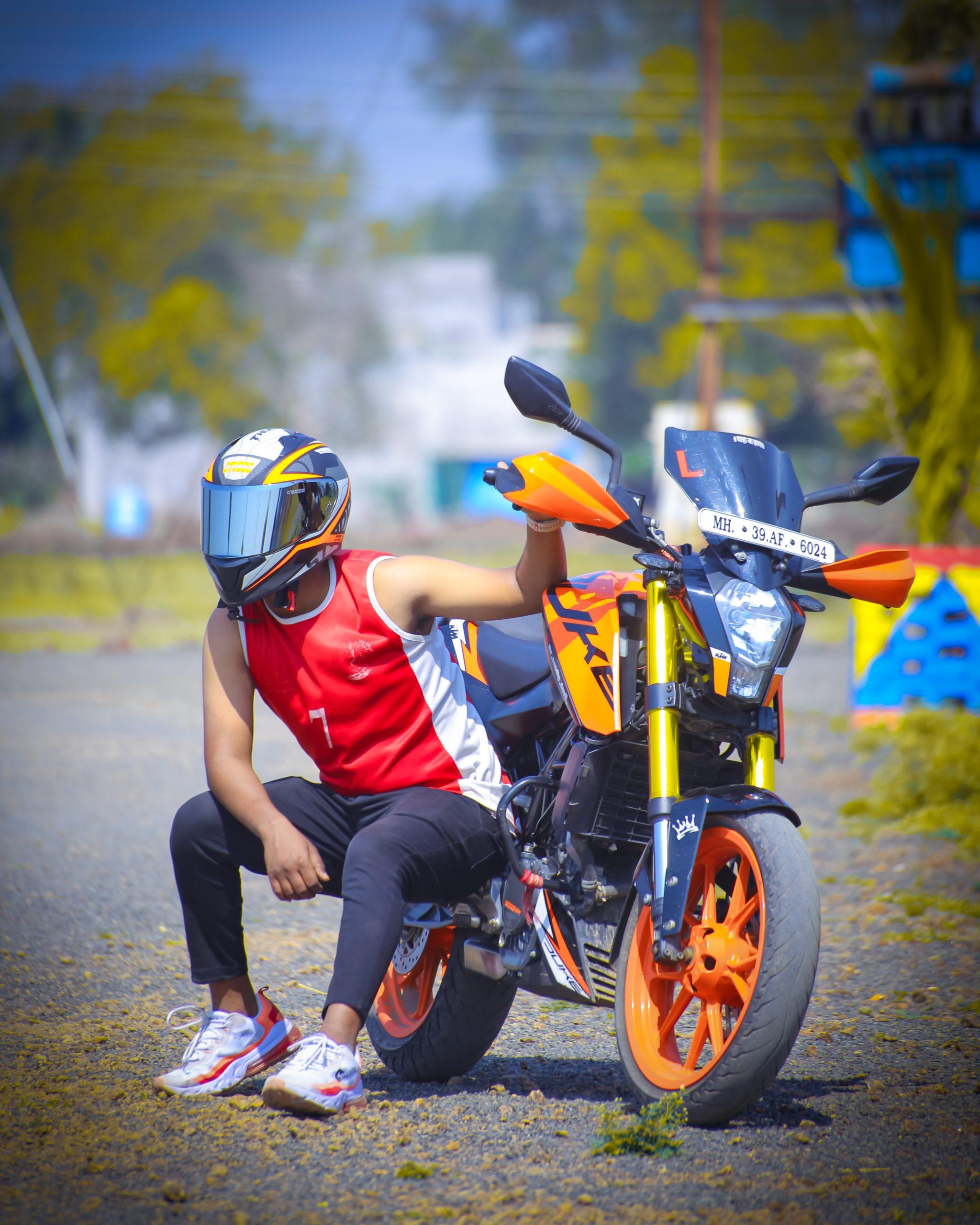 A biker with KTM Duke