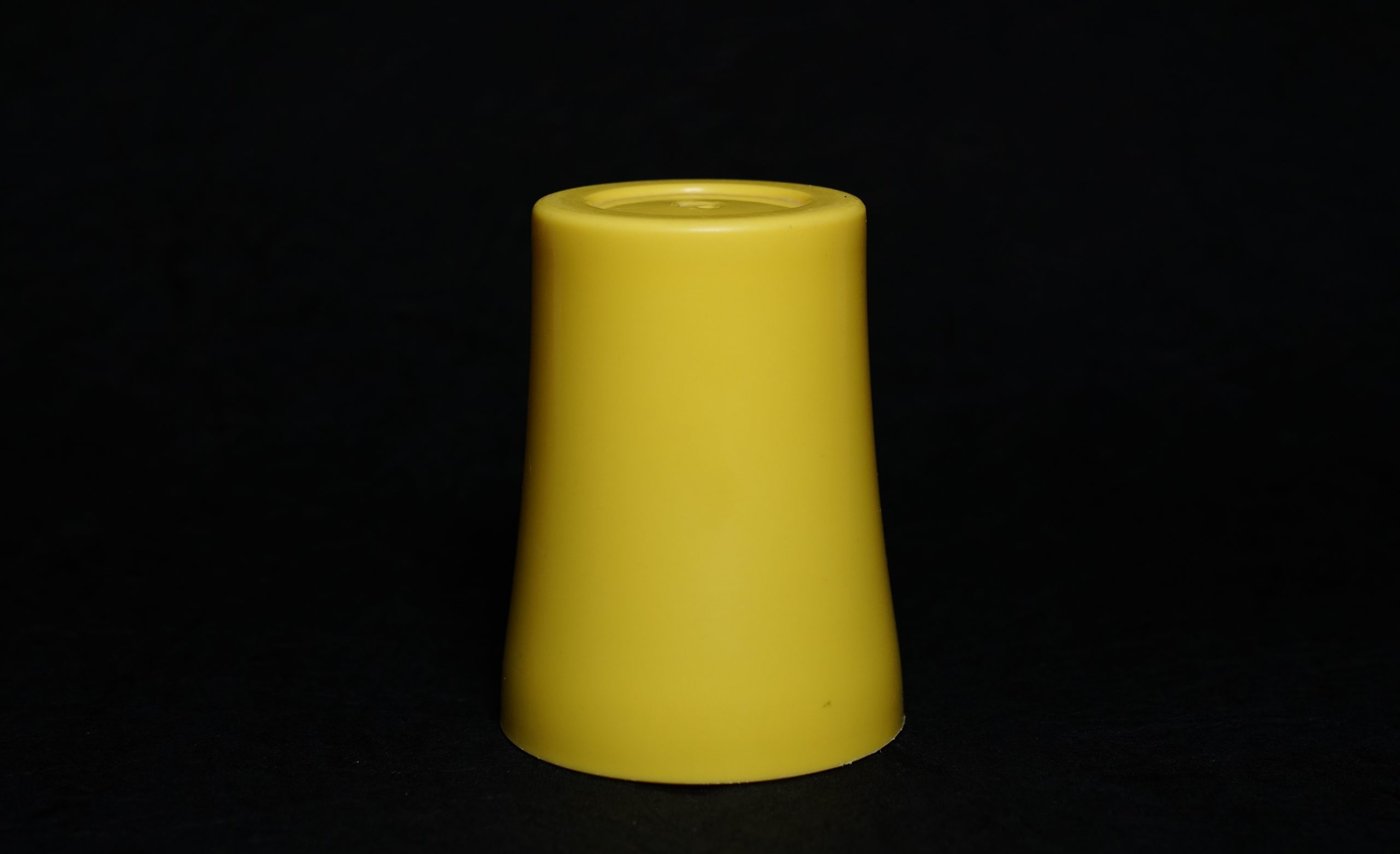 A bottom up plastic tumbler