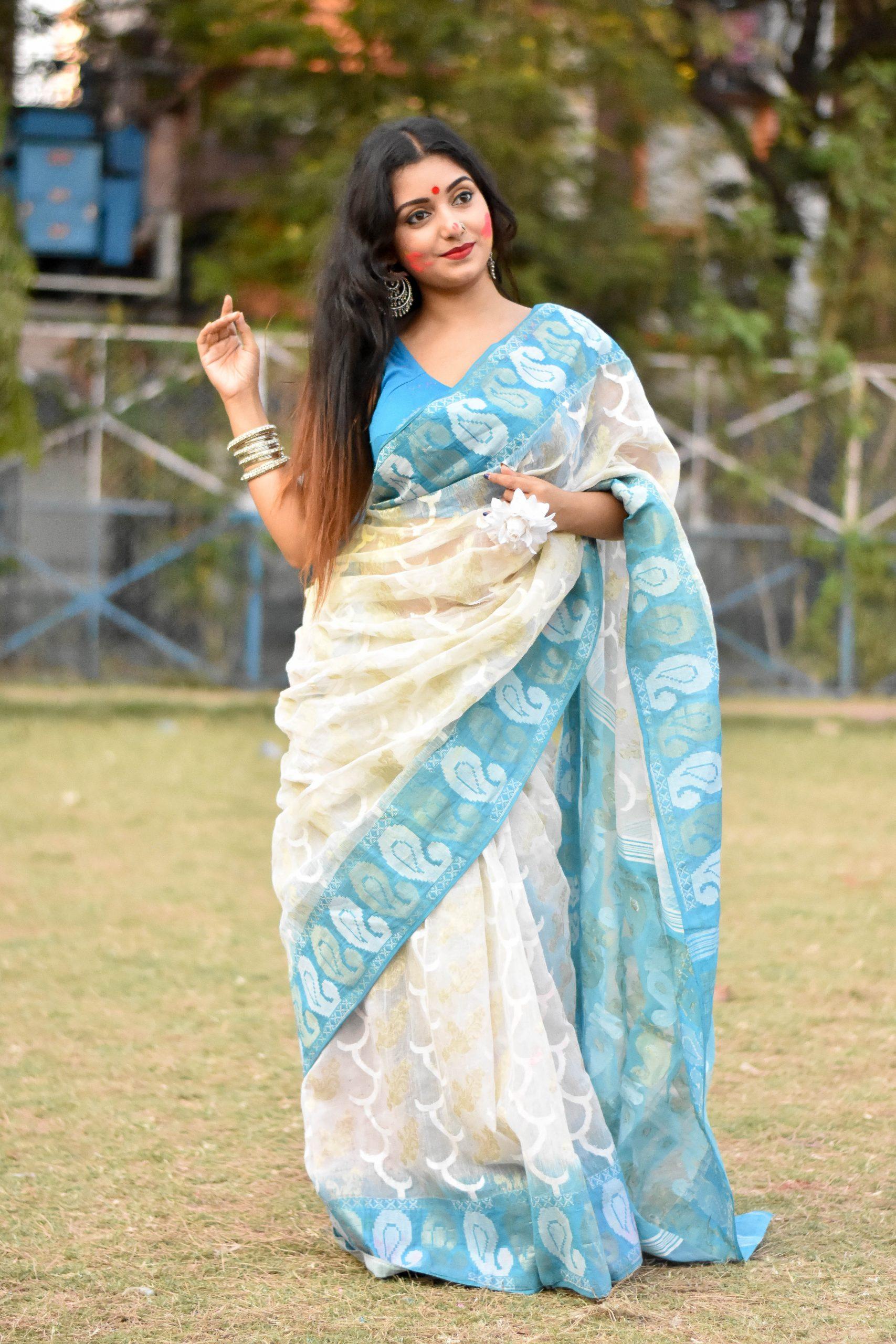 An Indian woman in saari dress