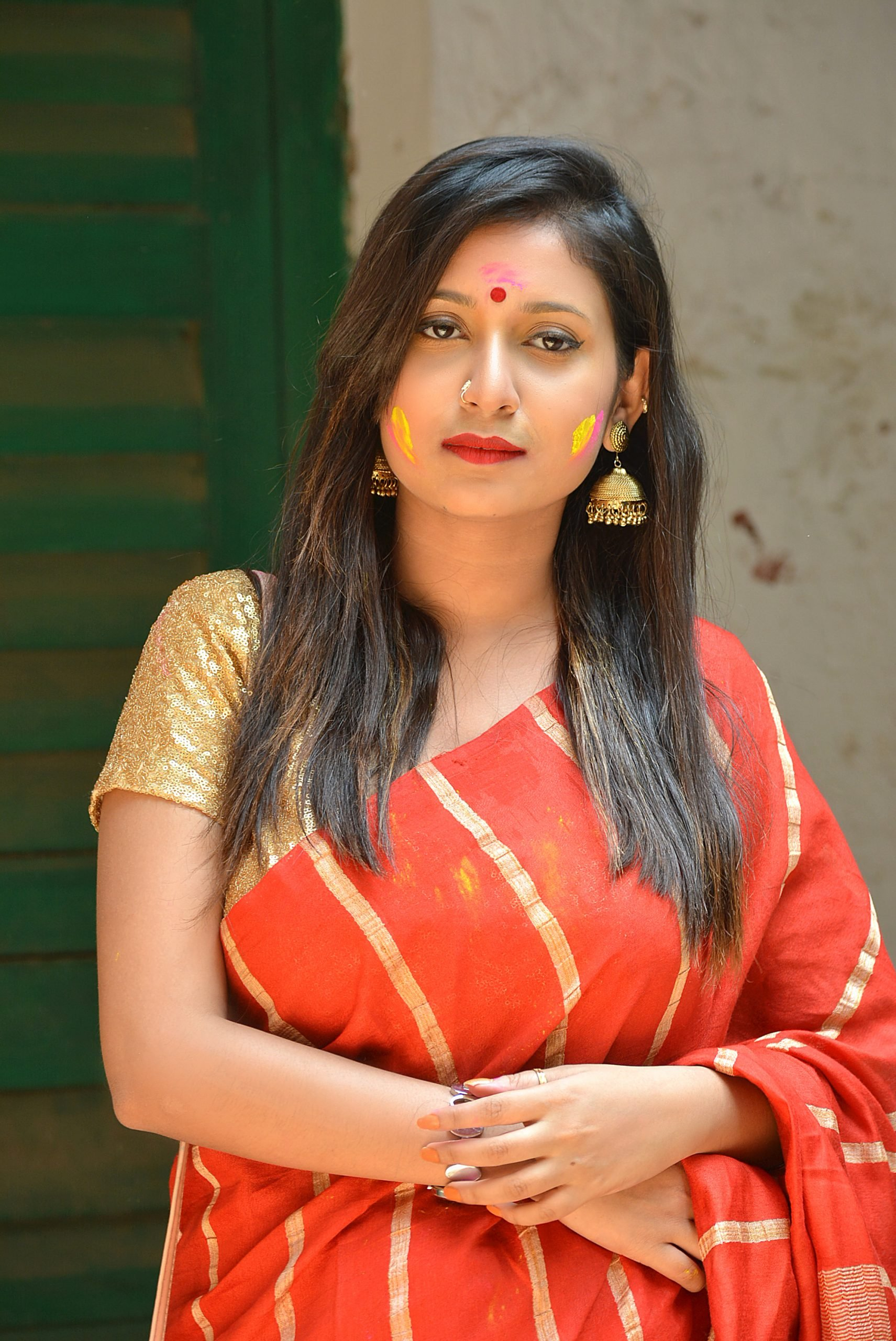 Beautiful girl posing in Saree