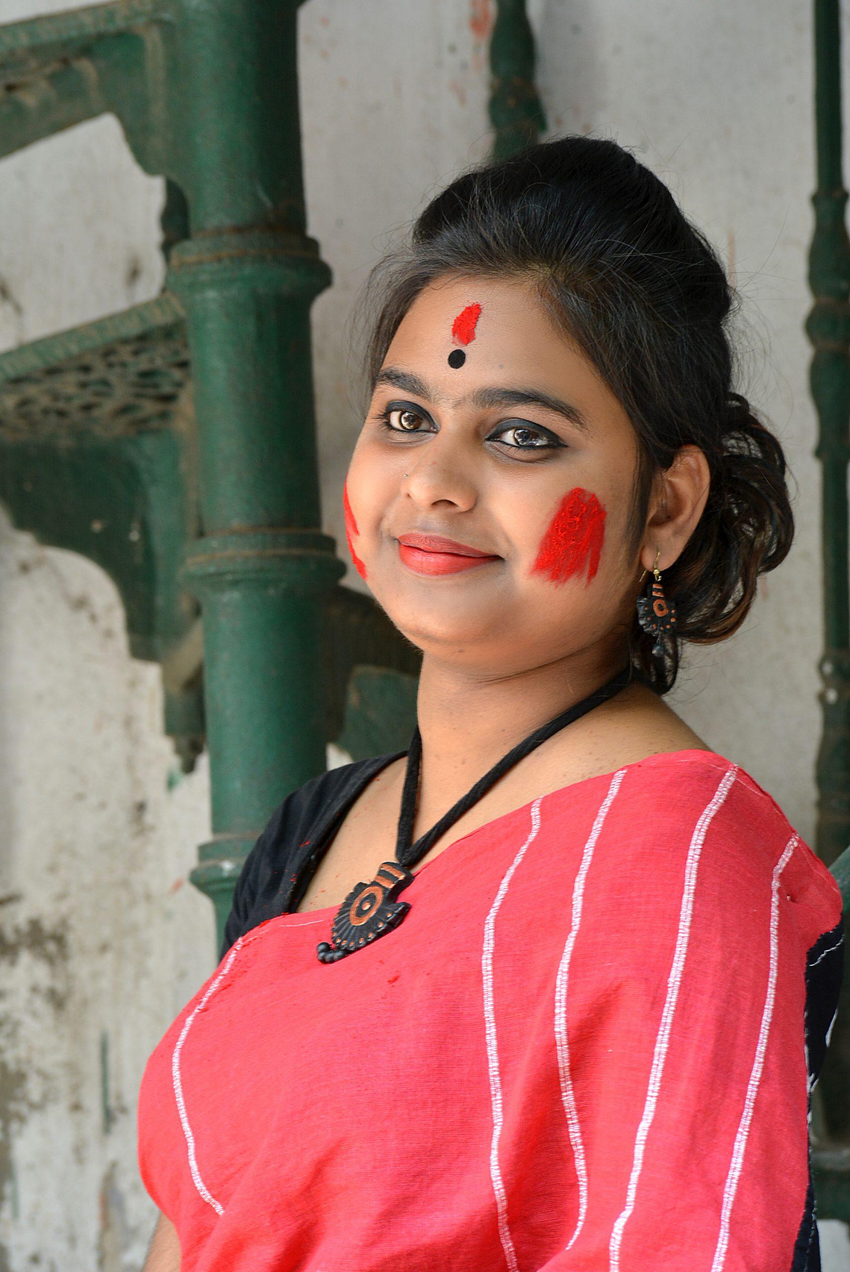 Beautiful girl posing in Saree