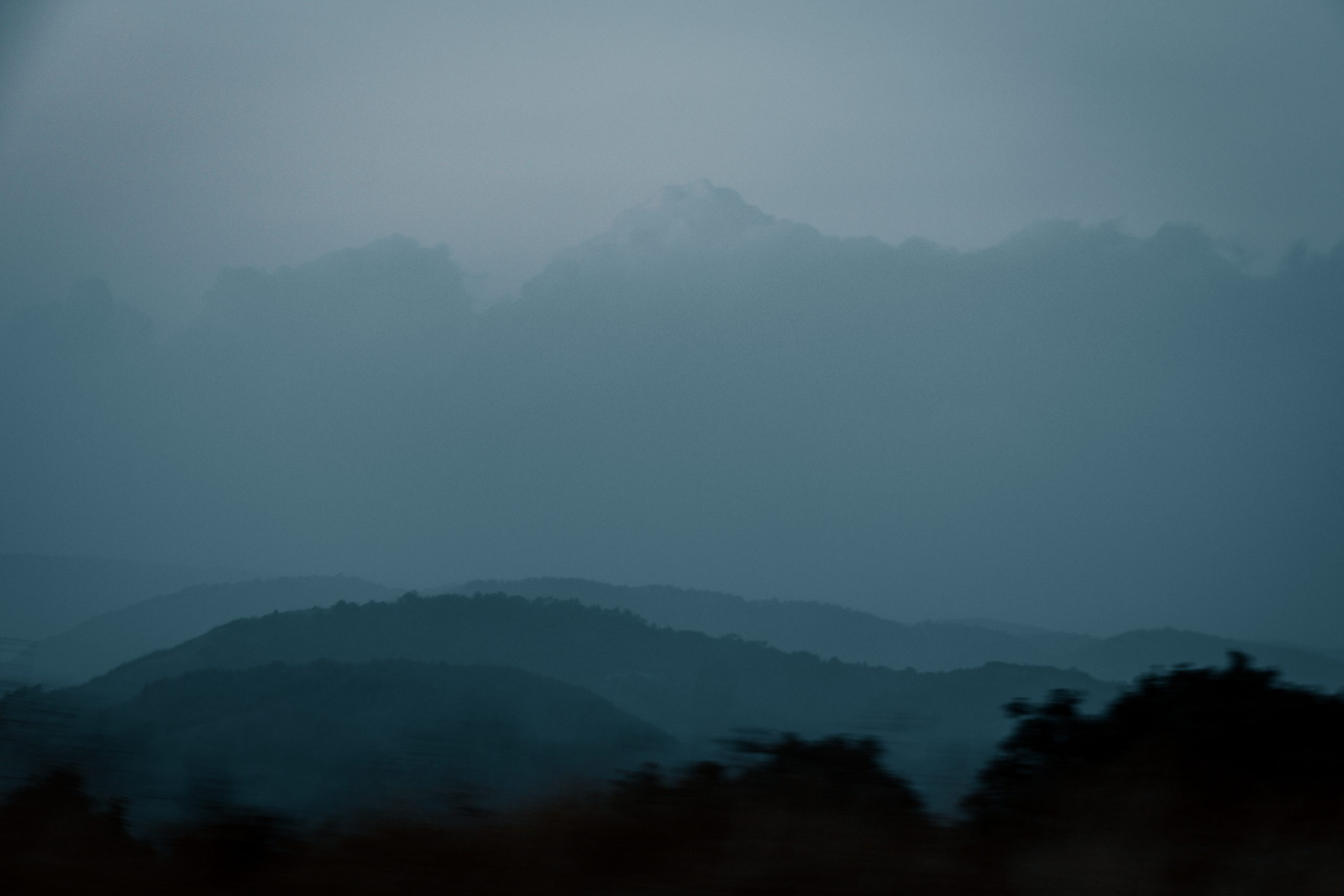 Cloudy and foggy montains