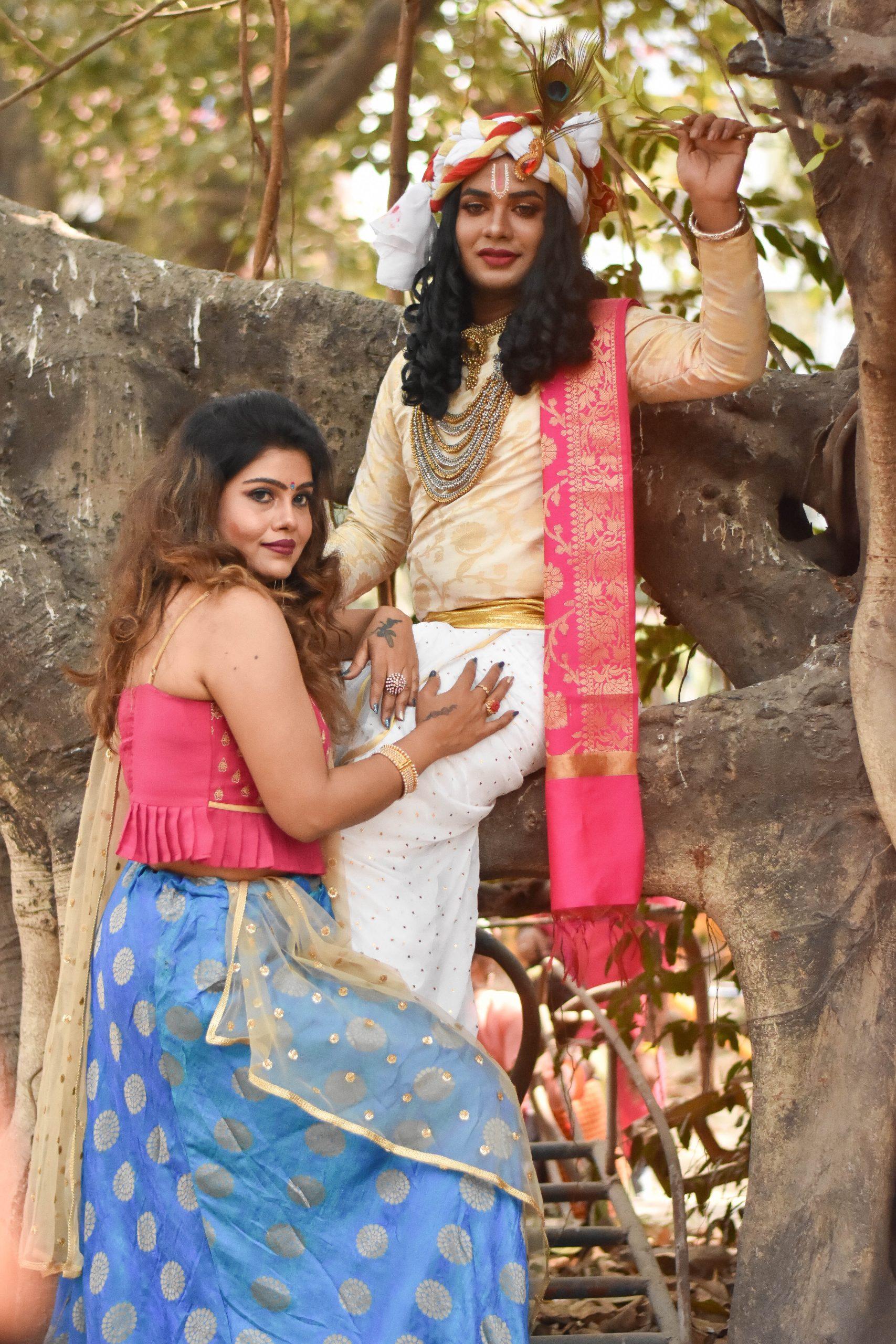 Girls in a Radha-Krishna getup