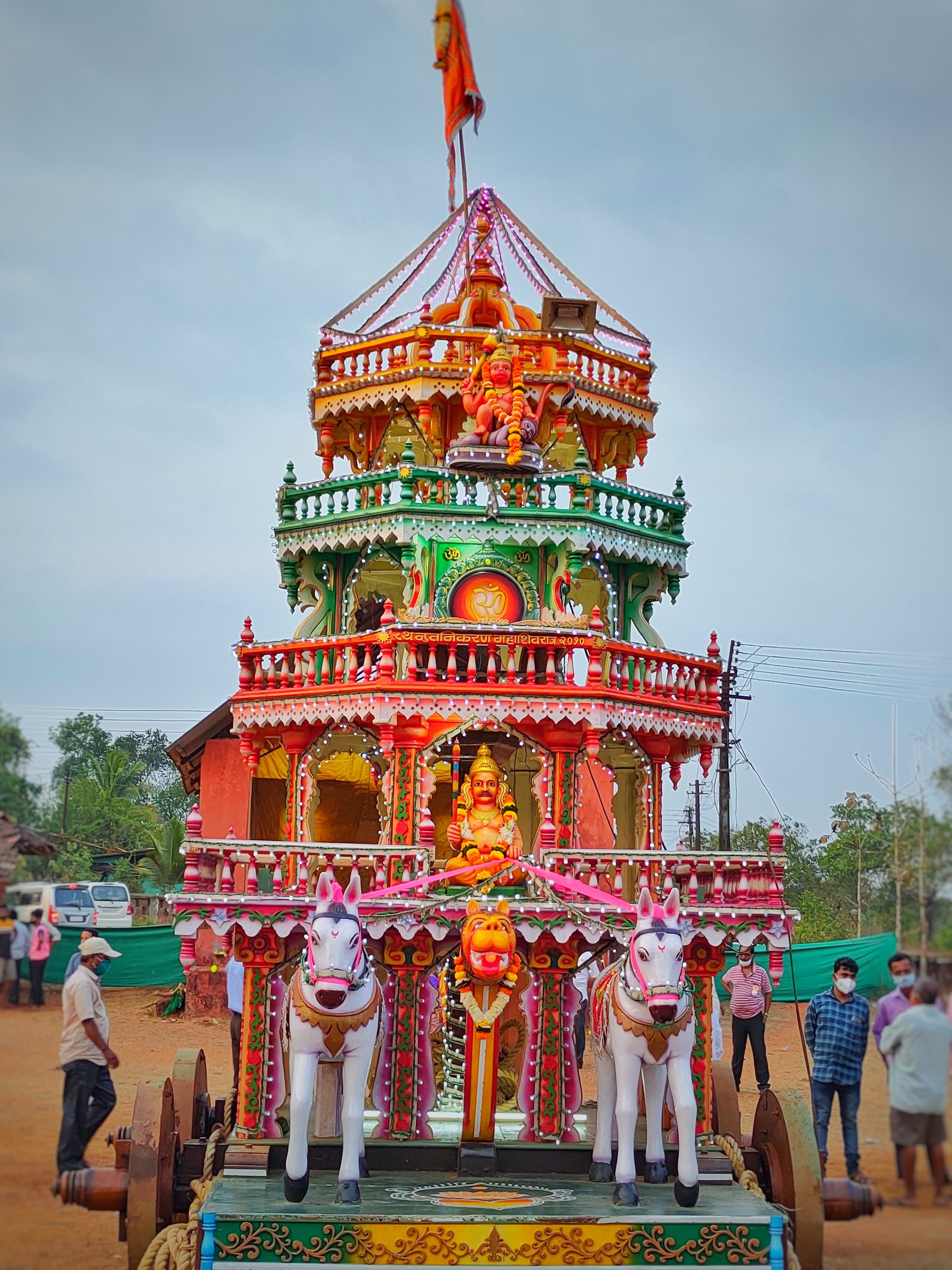 Hindu temple made on a cart