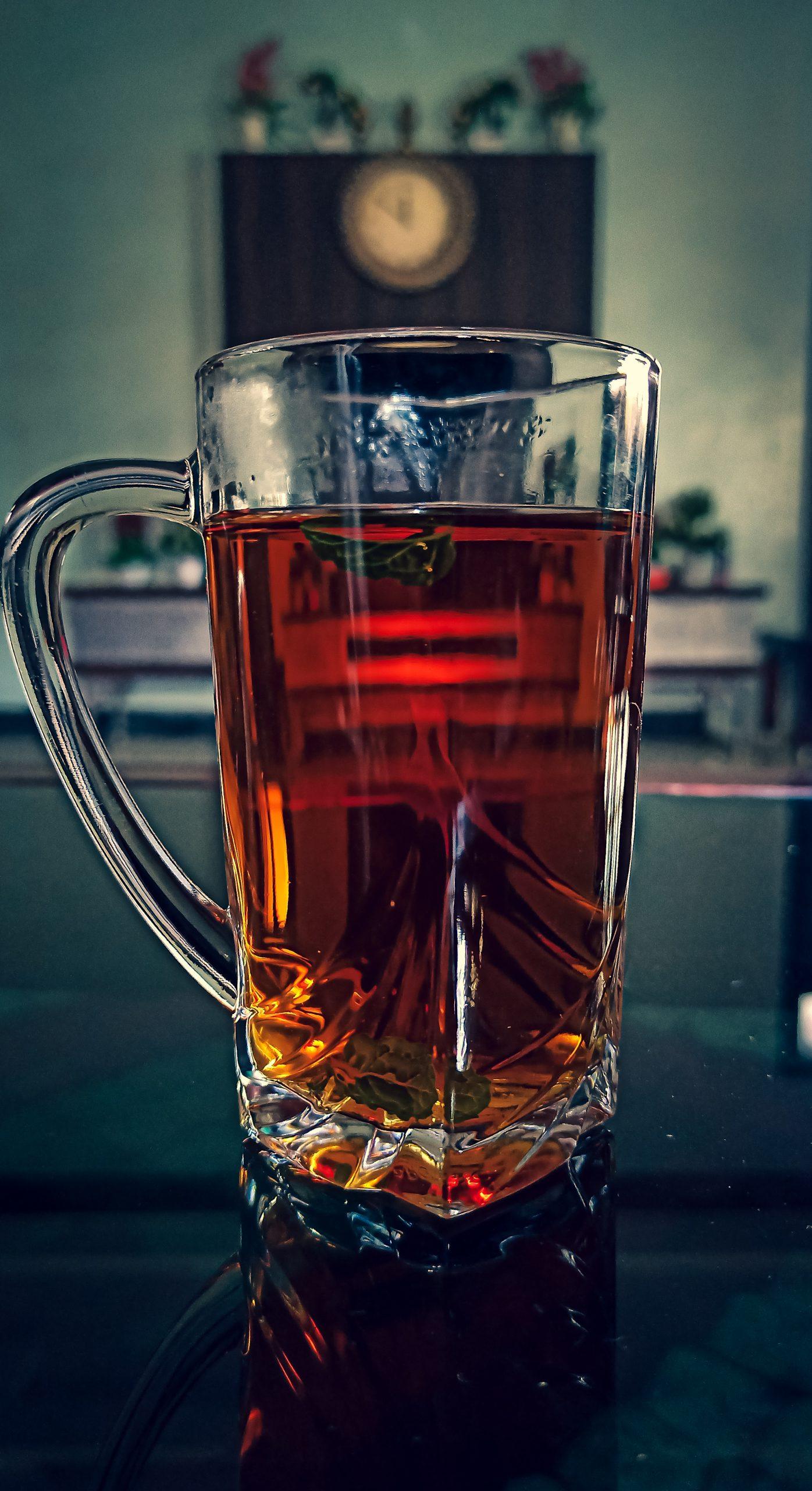 Lemon tea in a glass cup