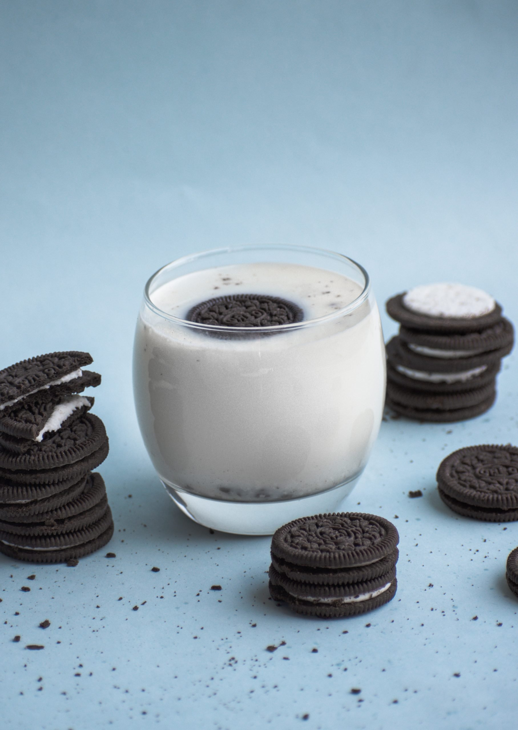 Milk and Oreo biscuits