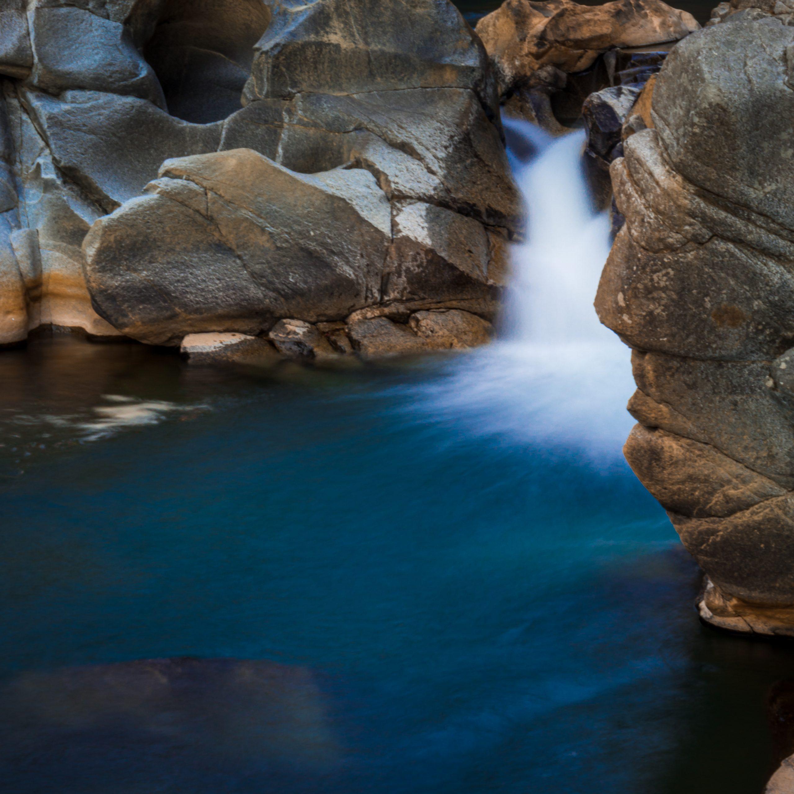 beautiful snap of waterfall and rocks