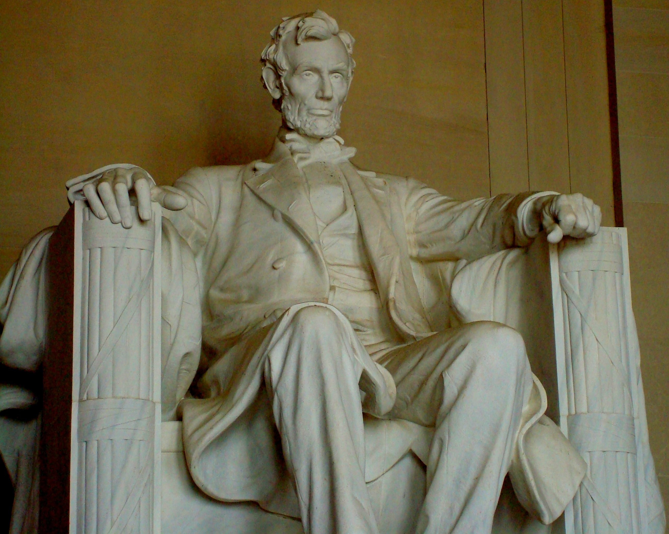 Abraham Lincoln statue in USA