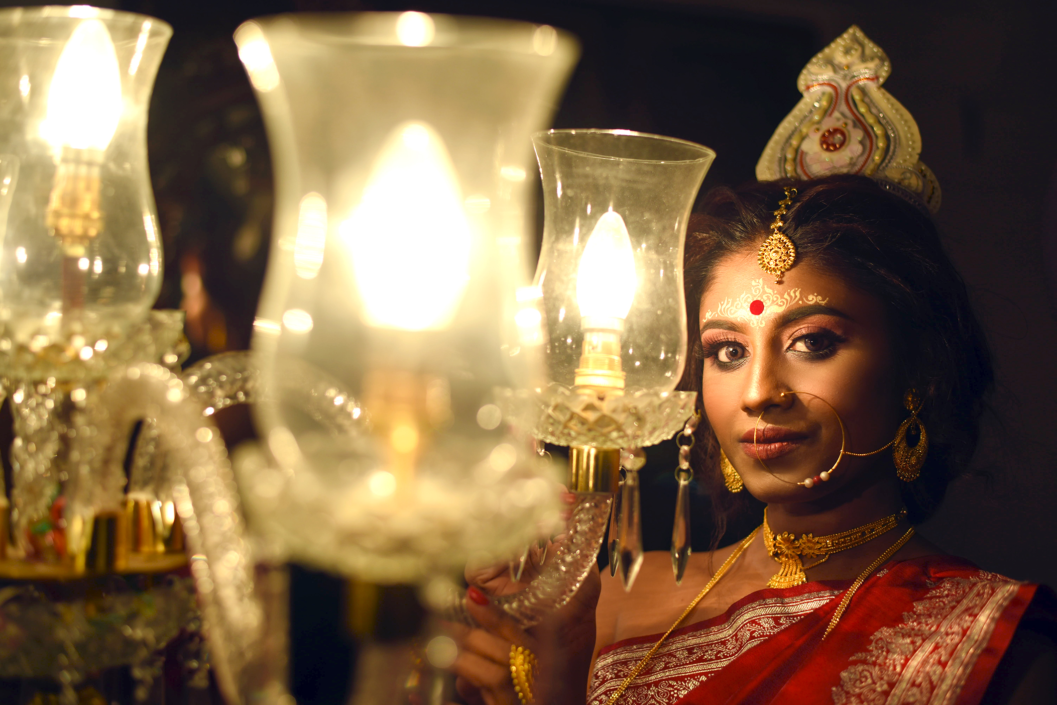 A bride near lamps