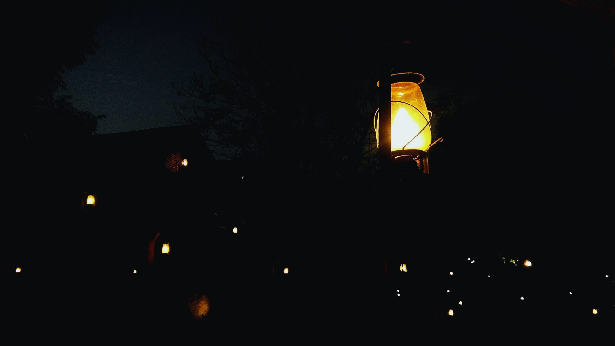 Illuminating lanterns
