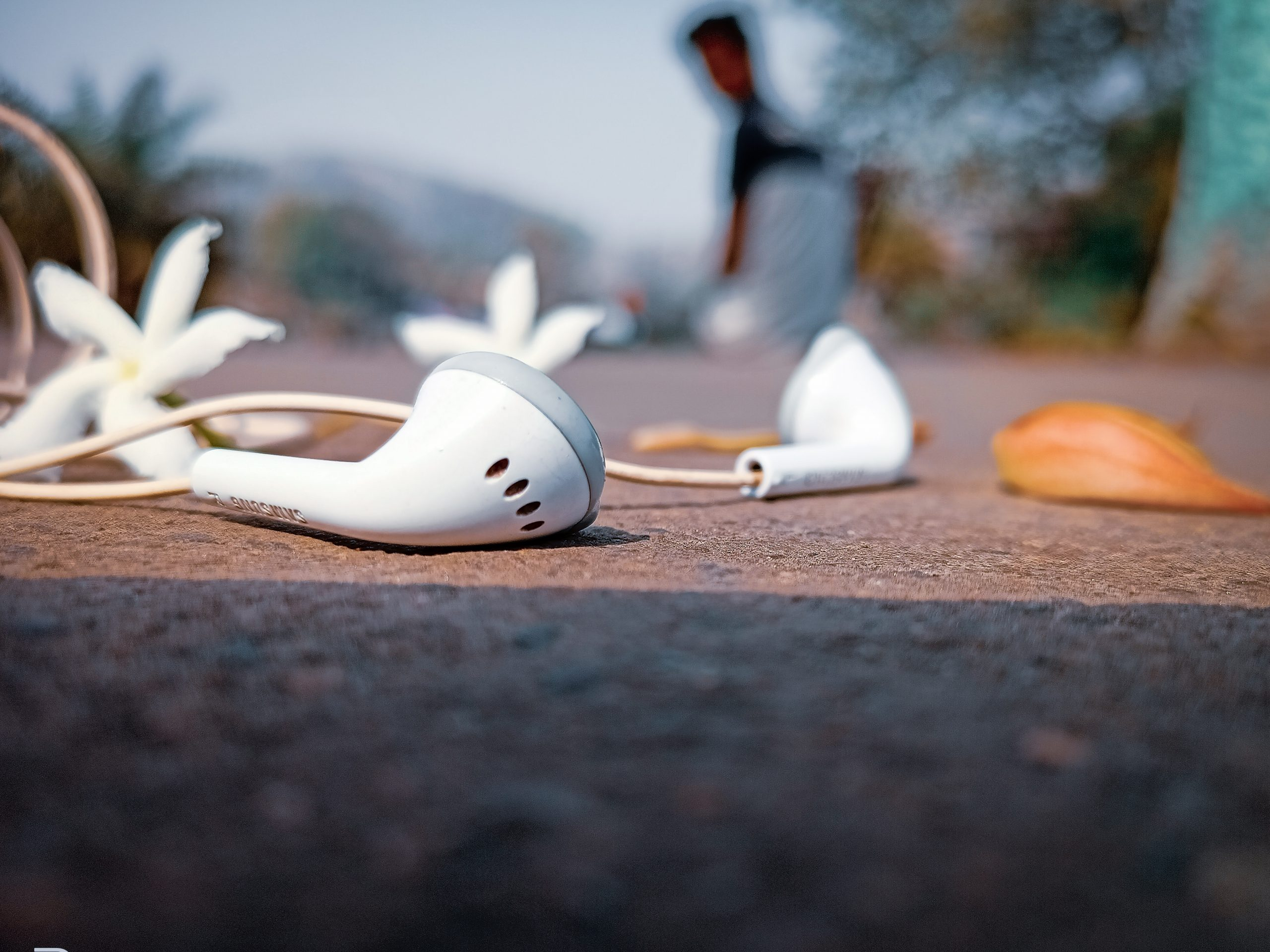 Earphone on the road
