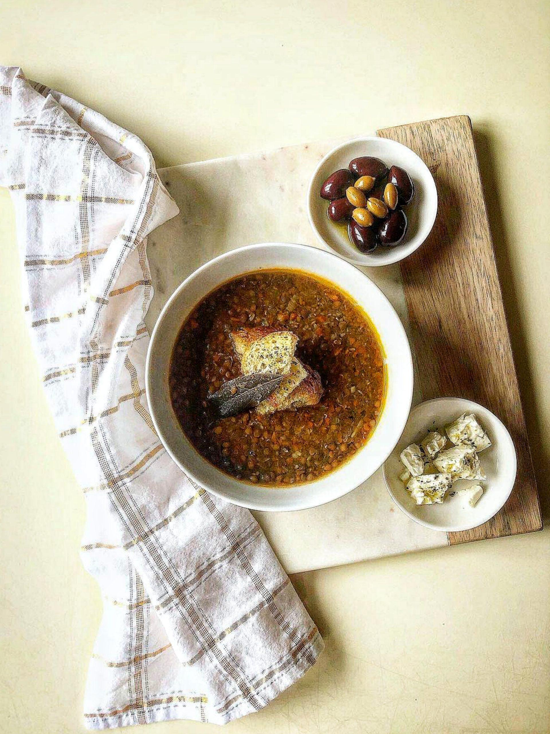 Food dish in bowls