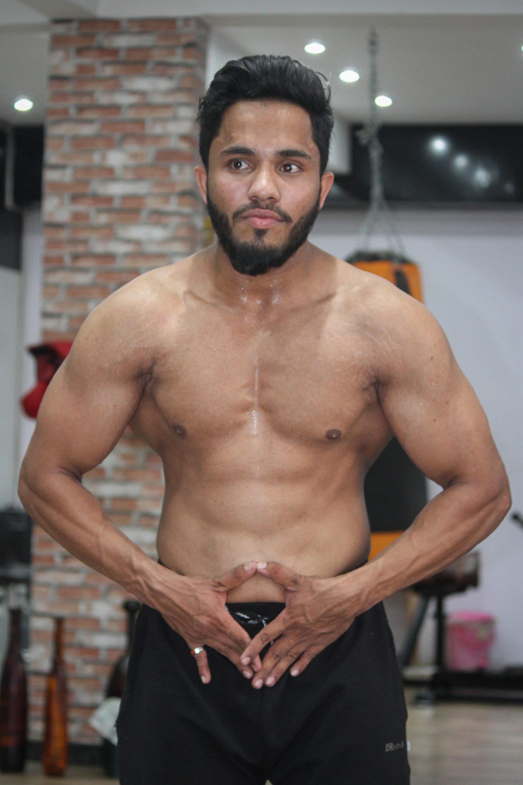 Gym model posing