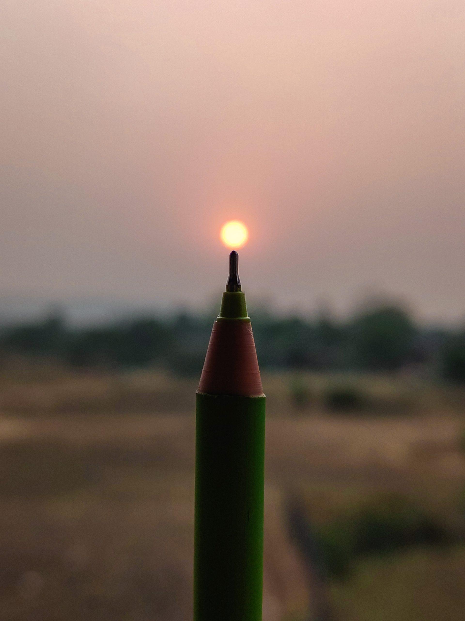 Sun on pen nib