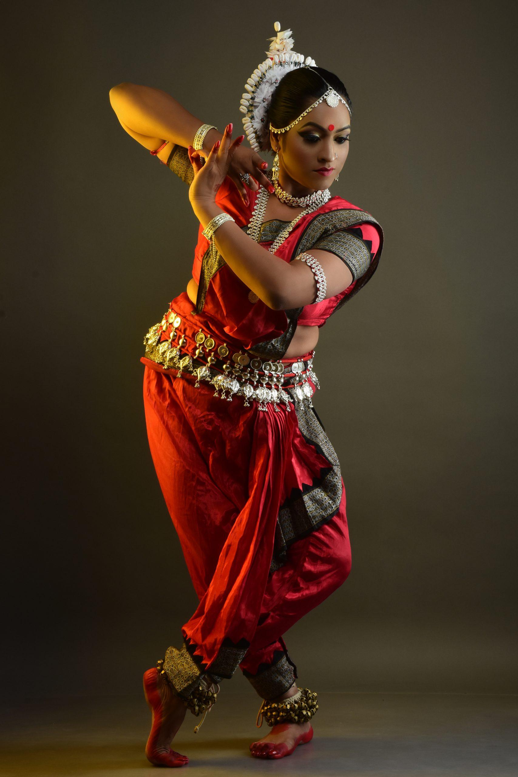 A female dance artist