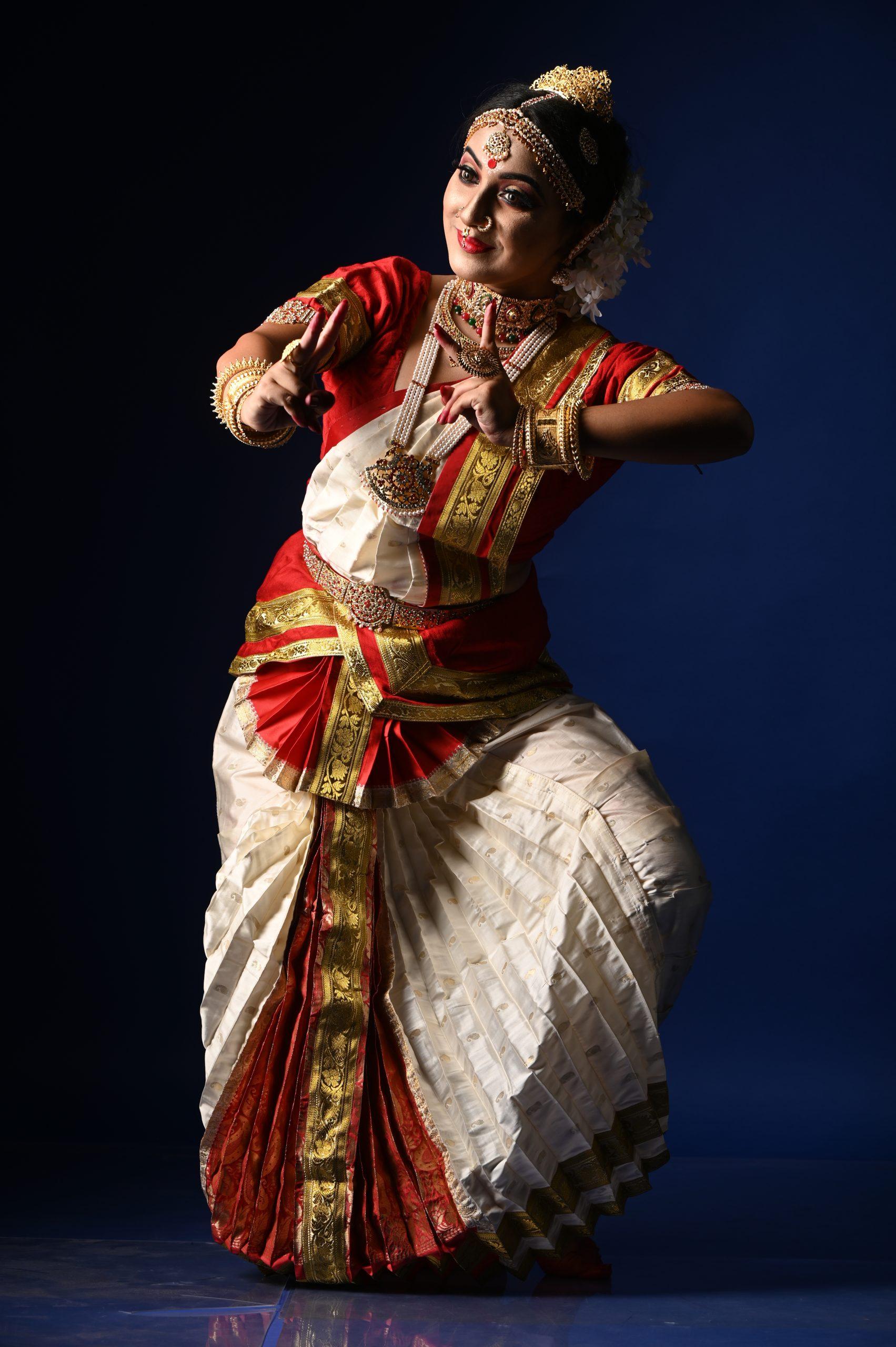 Bharat Natyam dance artist