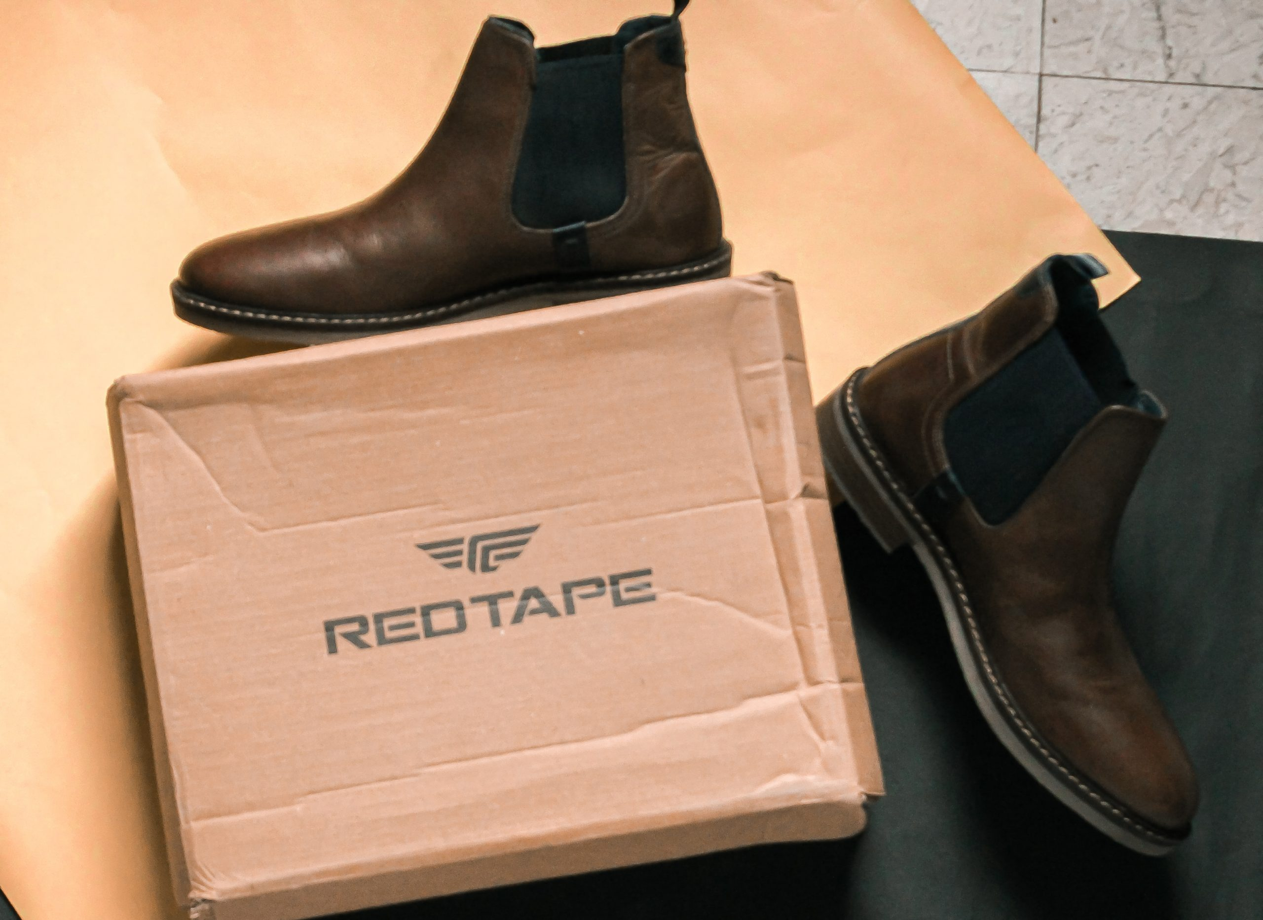 Red tape Boot