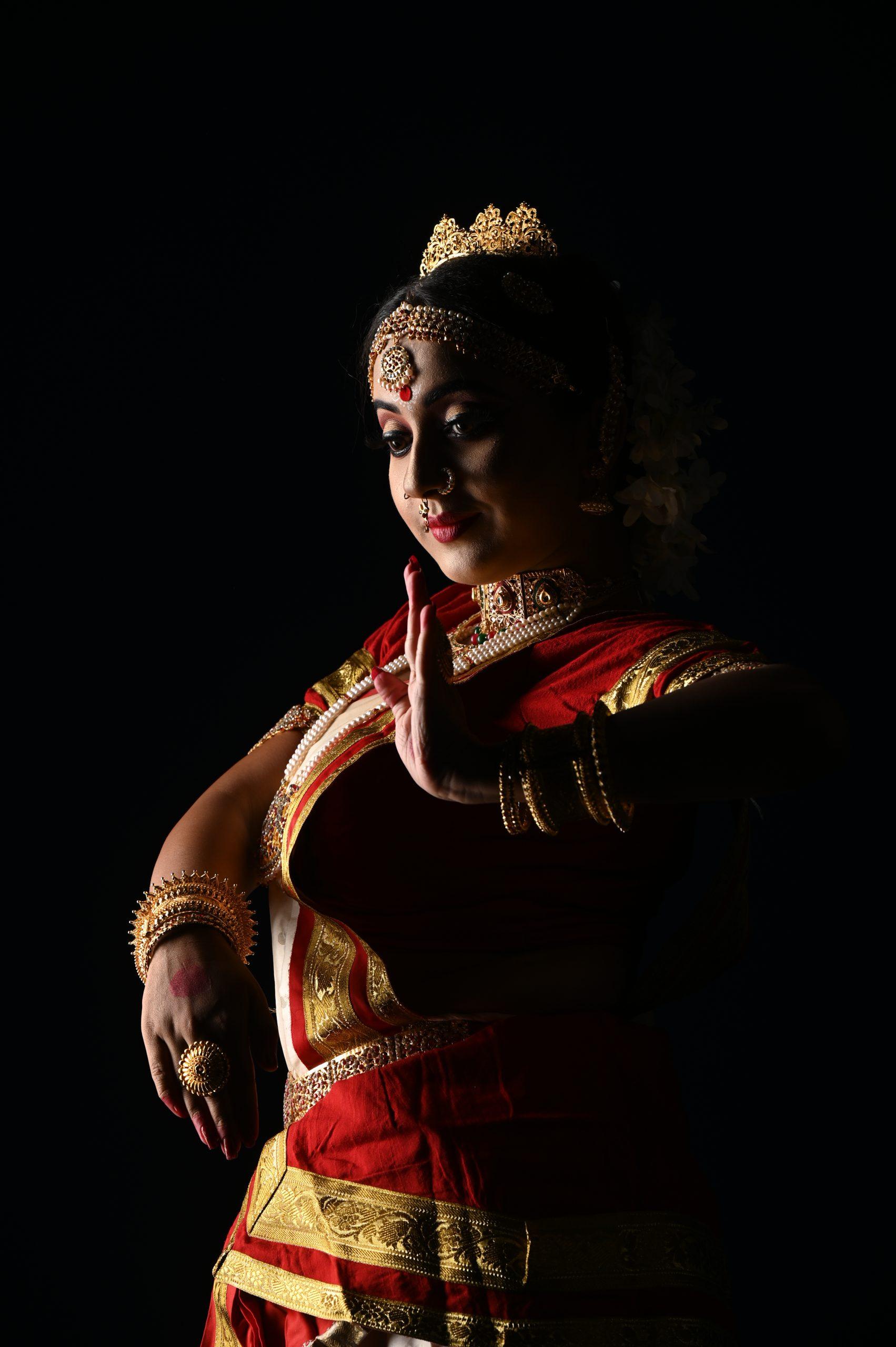 A female classical dancer