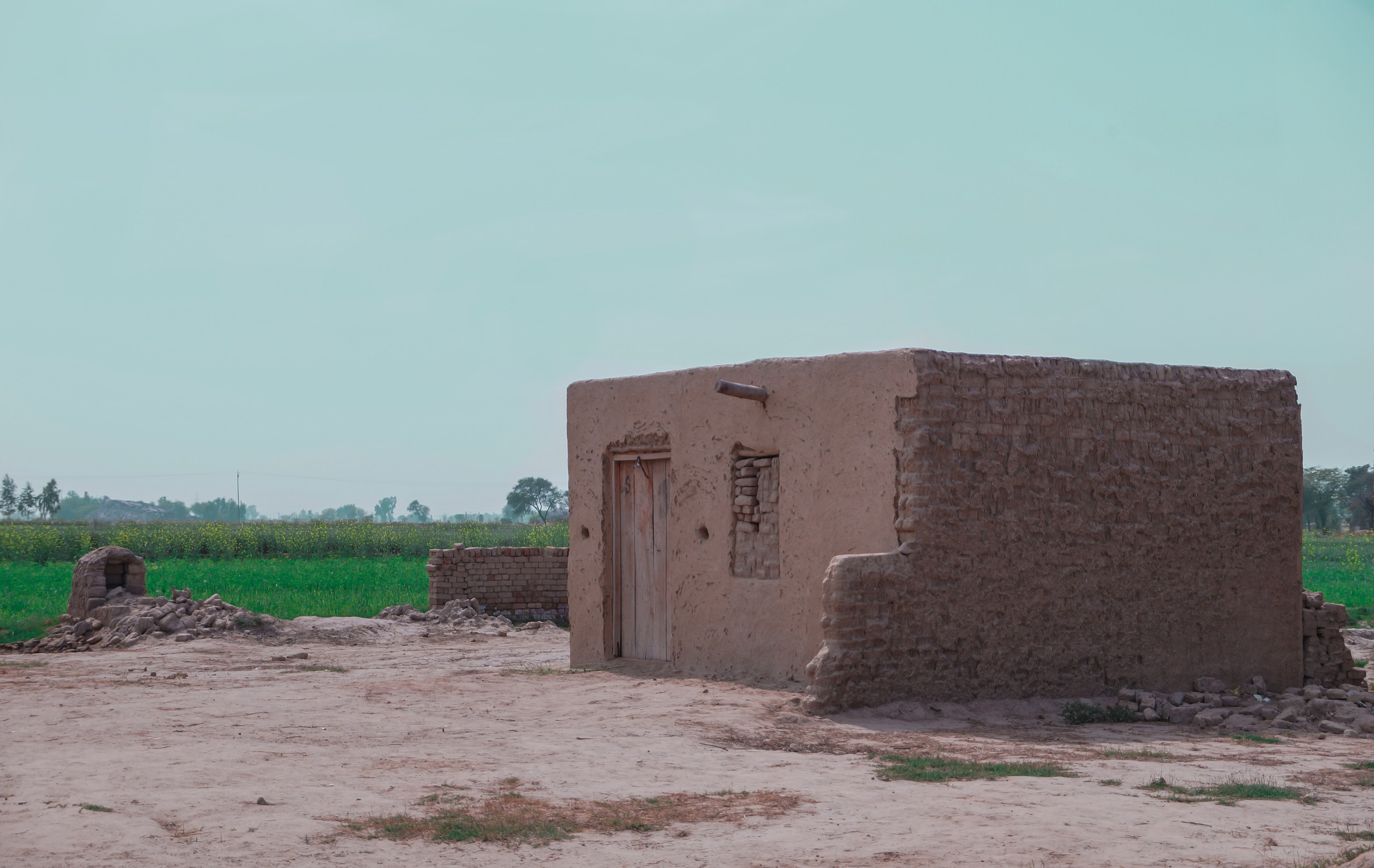 House of Sand Side View